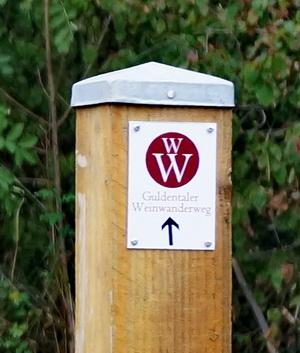 Wegweiser zum Guldentaler Weinwanderweg