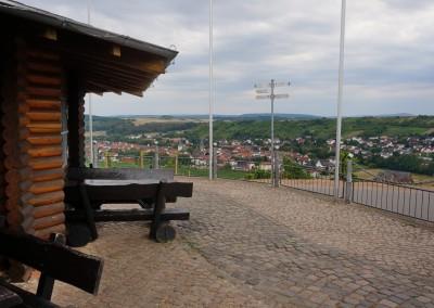 Sonnenberghütte - Blick von der Terrasse auf den Ort